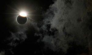 Besok, Diprediksi Terjadi Gerhana Bulan Total