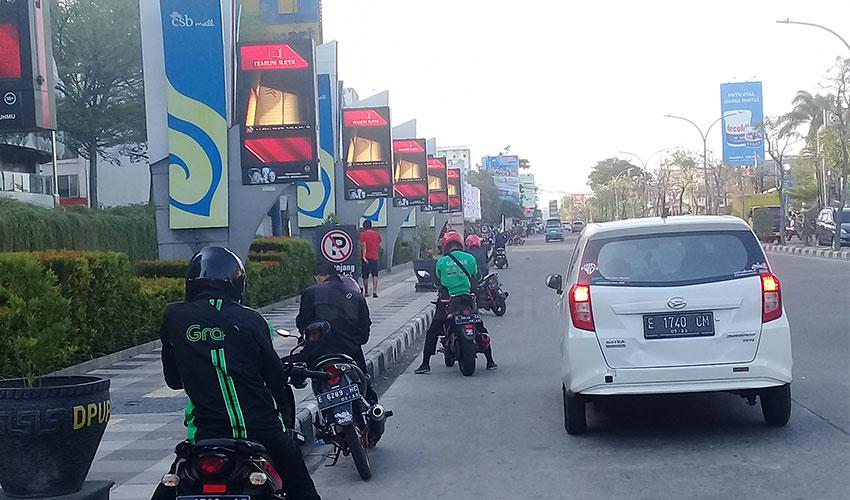Parkir Liar di Kawasan CSB Mall Dinilai Ganggu Ketertiban Lalu Lintas