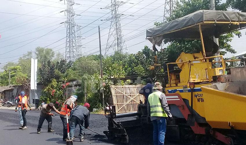 Proyek Pengaspalan Jalan By Pass Baru Tahap Pertama