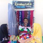 Unik, Kerudung Lukis Satia Sematkan Budaya Cirebon