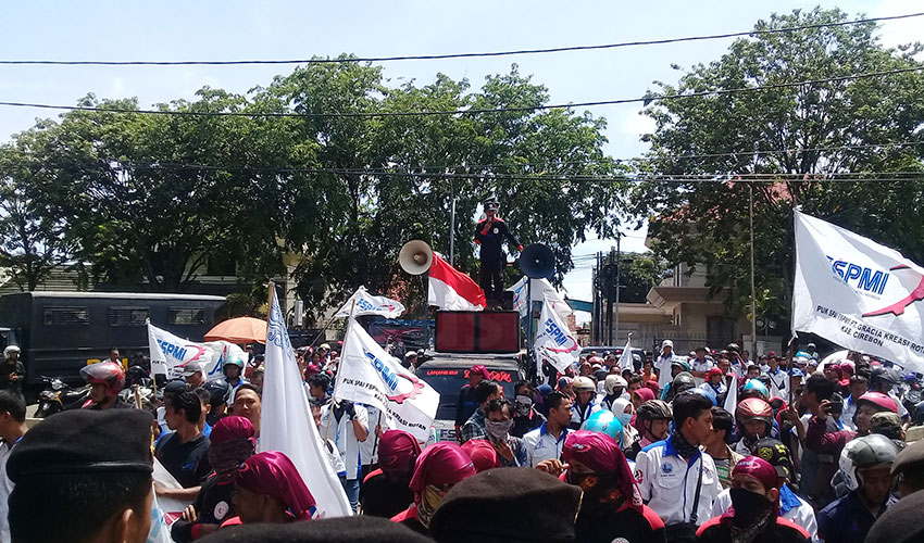 UMK Cirebon Hanya Menyengsarakan Kaum Pekerja