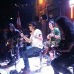 Pecah!/rif Band Sukses Hibur Ratusan Penggemar di Cirebon