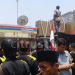 GMBI Demo Tutup Paksa Indomaret Sebelah BT Batik Trusmi