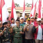 Lima Ribu Banser Cirebon Arak Bendera Merah Putih KSN